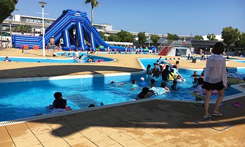 1歳から大人まで楽しめる流水プール