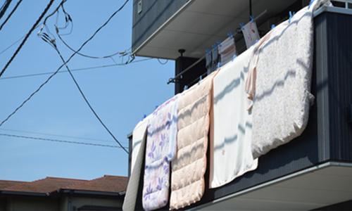 子供のおねしょやおむつ漏れで敷布団が濡れると重労働
