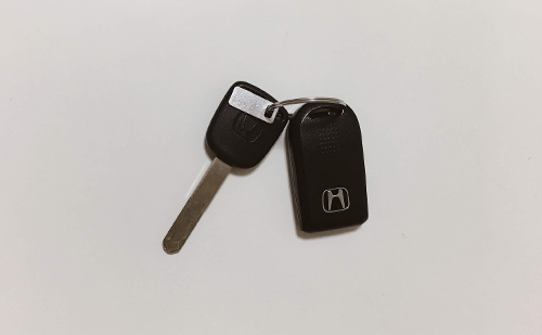 査定に必要なものは車検証と車の鍵